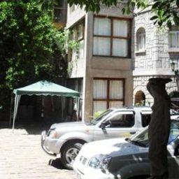 Les_Hautes_Terres-Antananarivo-Exterior_view-6-542225.jpg