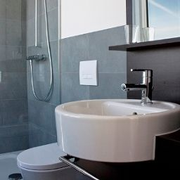 Winters_im_Spiegelturm-Berlin-Bathroom-2-543026.jpg