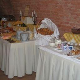 Konicek-Uherske_Hradiste-Breakfast_room-543054.jpg