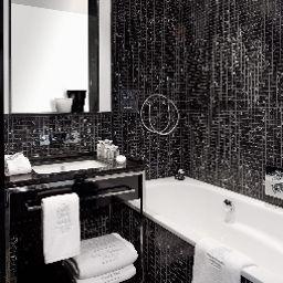 Villa_am_Ruhrufer_Golf_Spa-Muelheim-Bathroom-1-543250.jpg