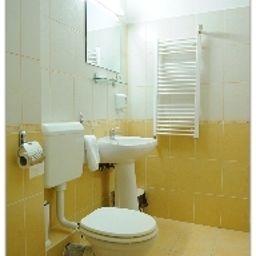 Cristian_Villa-Arad-Bathroom-543653.jpg