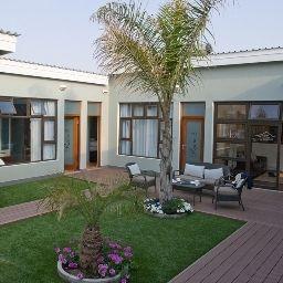 Namib_Guesthouse-Swakopmund-Garden-4-544159.jpg