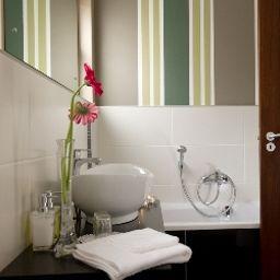 Namib_Guesthouse-Swakopmund-Bathroom-3-544159.jpg