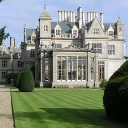 Exterior view Stoke Rochford Hall Grantham (South Kesteven, England)