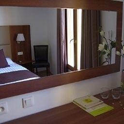 Le_Cara_Sol_Logis-Elna-Bathroom-544385.jpg