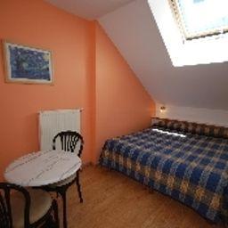 Hotel_de_Paris-Briancon-Double_room_standard-1-544798.jpg
