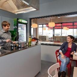 Meininger_Airport-Berlin-Hotel_kitchen-544883.jpg