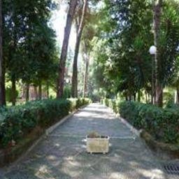 Villa_dei_Giuochi_Delfici-Rome-Exterior_view-3-544886.jpg