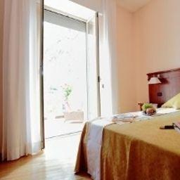 Villa_dei_Giuochi_Delfici-Rome-Room-544886.jpg