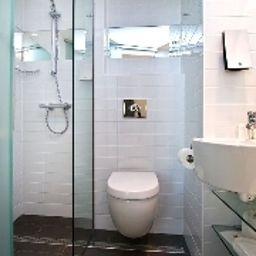 Sleeperz_Newcastle-Newcastle_Upon_Tyne-Bathroom-1-545597.jpg