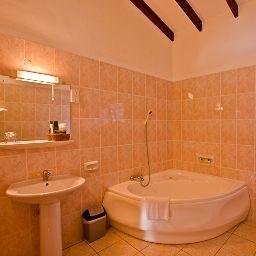 Coco_Dor_Hotel-Beau_Vallon-Bathroom-545973.jpg