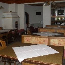 Jugendgaestehaus_Oberau-Maria_Alm_am_Steinernen_Meer-Restaurant-546011.jpg