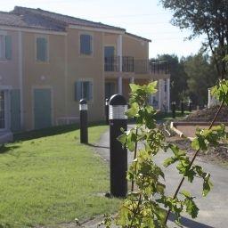 AppartHotel_et_Spa_Golf_de_la_Cabre_dOr_Residence_de_Tourisme-Cabries-Garden-1-546955.jpg