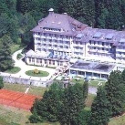Grand_Hotel_des_Rasses-La_Sarraz-Exterior_view-1-547559.jpg
