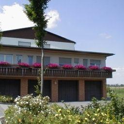 Vista exterior Zur Aue Gasthof - Pension