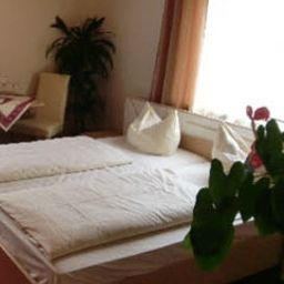 Haunstetter_Hof-Augsburg-Double_room_standard-552228.jpg
