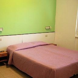 Bristol-Sesto_San_Giovanni-Double_room_standard-2-552539.jpg