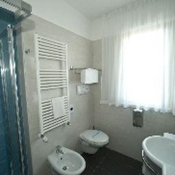 Vittoria-San_Giovanni_Rotondo-Bathroom-2-552974.jpg