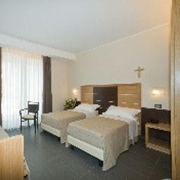 Triple room Vittoria