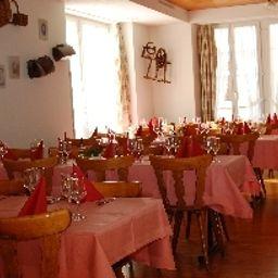 Traube-Kuettigen-Restaurant_2-1-553594.jpg