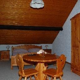 Traube-Kuettigen-Double_room_standard-553594.jpg