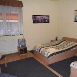 Fogra_Travel_Pokoje_Goscinne-Krakow-Triple_room-3-562721.jpg