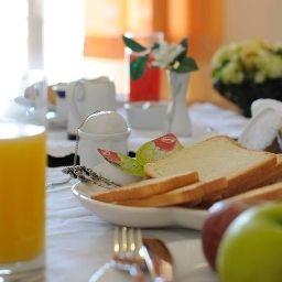 Buffet prima colazione Fly