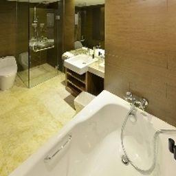 Amarossa_Suite_Bali-Nusa_Dua-Bathroom-1-578472.jpg