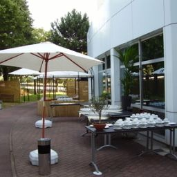 Terrasse Best Western Plus Paris Orly Airport