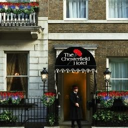 Фасад The Chesterfield Mayfair Red Carnation Hotel