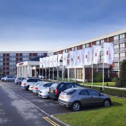 Фасад Crowne Plaza LONDON - HEATHROW