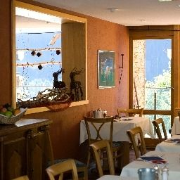 Breakfast room within restaurant Eiger