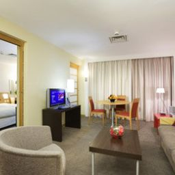Номер Novotel London Heathrow Airport