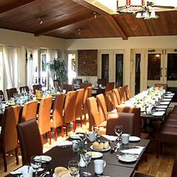 Breakfast room within restaurant Copthorne Hotel London Gatwick