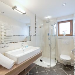 Bathroom Schweizerhof Sport-Beautyhotel