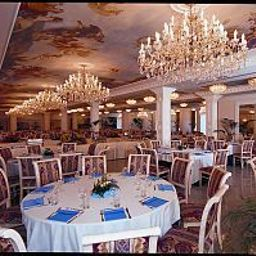 Breakfast room within restaurant Alexander Palace