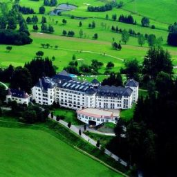 Vista exterior Schloss Pichlarn SPA & Golf Resort