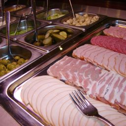 Buffet SPA Faltom Stadt-gut-Hotel