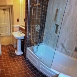 Salle de bains Menzies Hotels Stratford upon Avon Welcombe Hotel, Spa & Golf Club