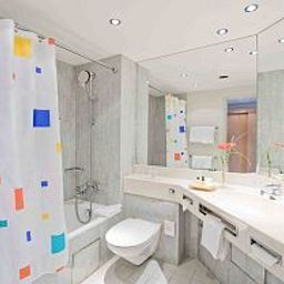 Bathroom Park Inn by Radisson