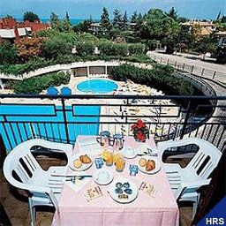 Vista esterna Residence Holiday