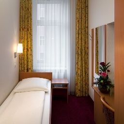 Room Air in Berlin
