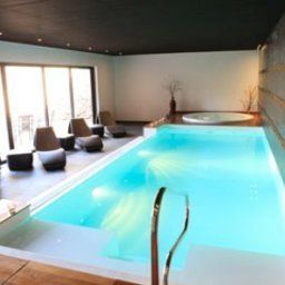 Piscina Le Chambard Chateaux et Hotels Collection