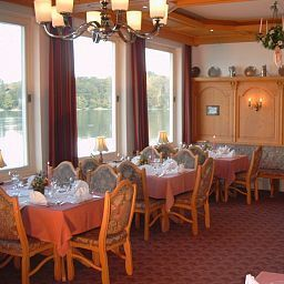 Breakfast room within restaurant Grauer Bär Seehotel