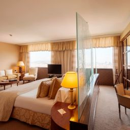 Suite Rey Juan Carlos I Business & City Resort
