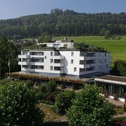 Vista exterior zur Therme Swiss Q