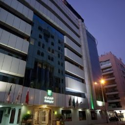 Фасад Holiday Inn DUBAI - DOWNTOWN DUBAI