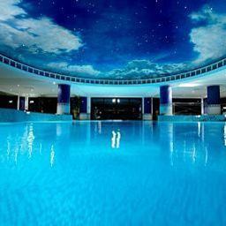 Pool Celtic Manor Resort