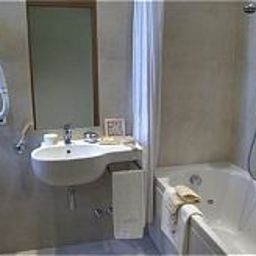 Bathroom Elite Hotel Residence