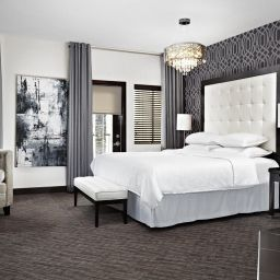 Pokój Four Points by Sheraton Hotel & Suites Calgary West